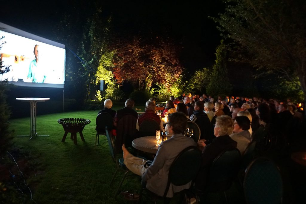 Gasthof-Dahms-Kultur-Kino-im-Garten